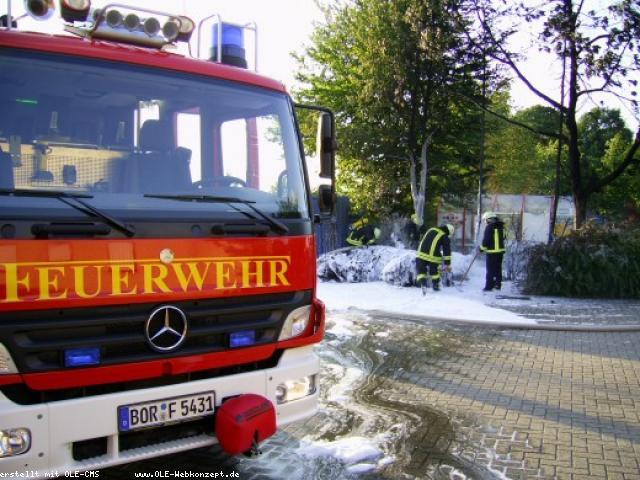 Containerbrand Gronauerstr. – Stoffballen bei Altex brannten