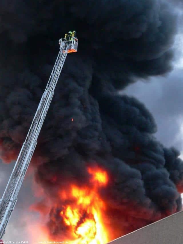 Grossbrand in Epe – Aussenlager der Firma Altex brennt