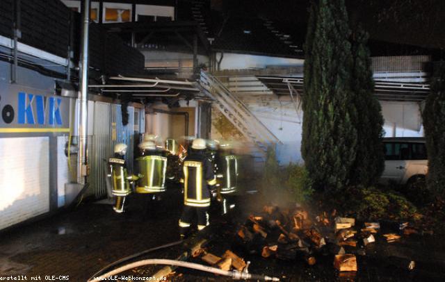 Holz brannte – aber nicht im Kamin