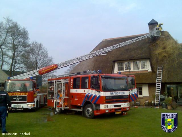Brand eines Reetdachhauses in Losser/NL