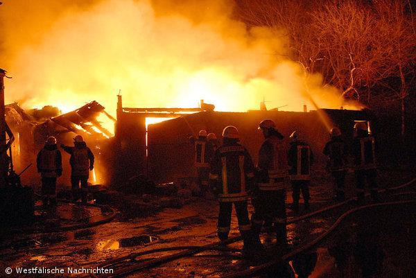 alte Lagerhalle ausgebrannt