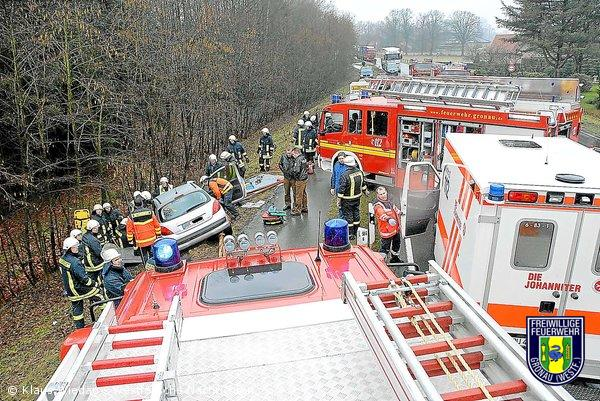 Verkehrsunfall auf Steinfurter Straße – 79-jähriger eingeklemmt