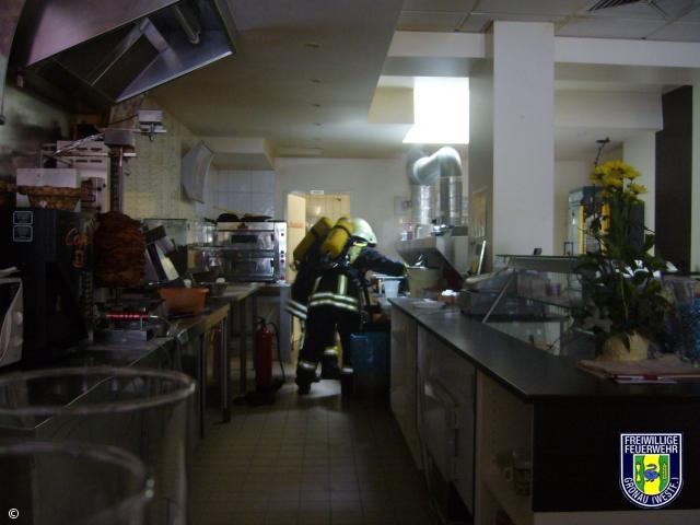 Brennt Friteuse in Gaststätte