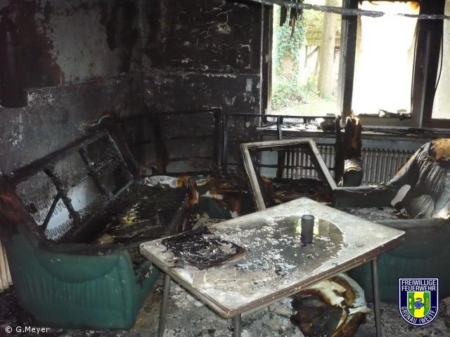 Feuer in Notunterkunft  ( Feuer_MIG)