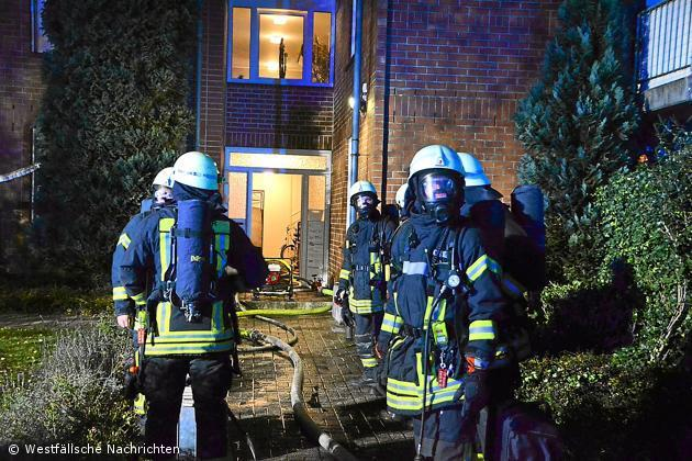 Ein Toter bei Wohnungsbrand