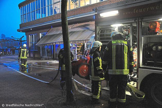 Kabelbrand im Wohn- und Geschäftshaus -Elephant-
