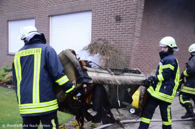 Wohnzimmercouch brannte in der Breslauer Straße