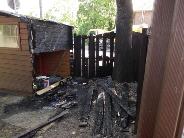 Gartenhütte ging in Flammen auf