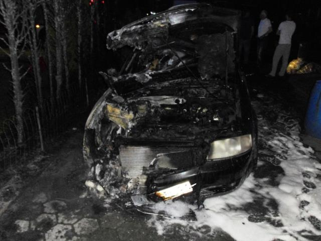 Mehrere PKW´s und ein LKW brannten in der Nacht