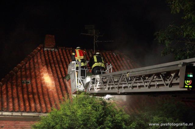 Feuerwehr löscht zwei Brände auf der Iltisstraße