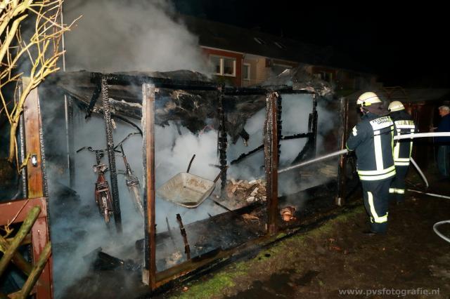 Gartenlaube an der Herzogstraße brannte in voller Ausdehnung