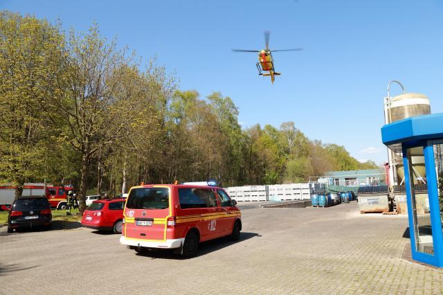 Verkehrsunfall mit eingeklemmter Person auf der Opelstraße