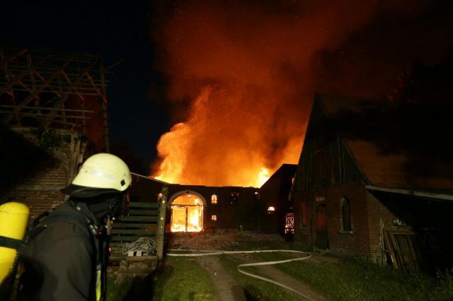 Landwirtschaftliches Anwesen brannte bis auf die Grundmauern nieder