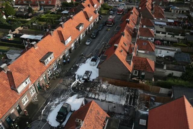 Garage und drei Autos brannten auf der Eilermarkstraße