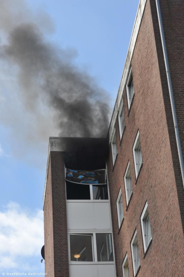 Wohnungsbrand im 6. Obergeschoss eines Mehrfamilienhauses