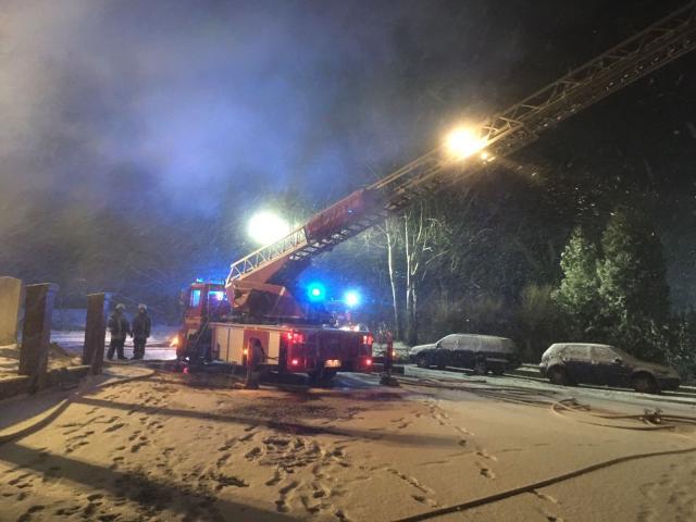 Feuerwehr Gronau unterstützte Feuerwehr Heek beim Lagerhallenbrand