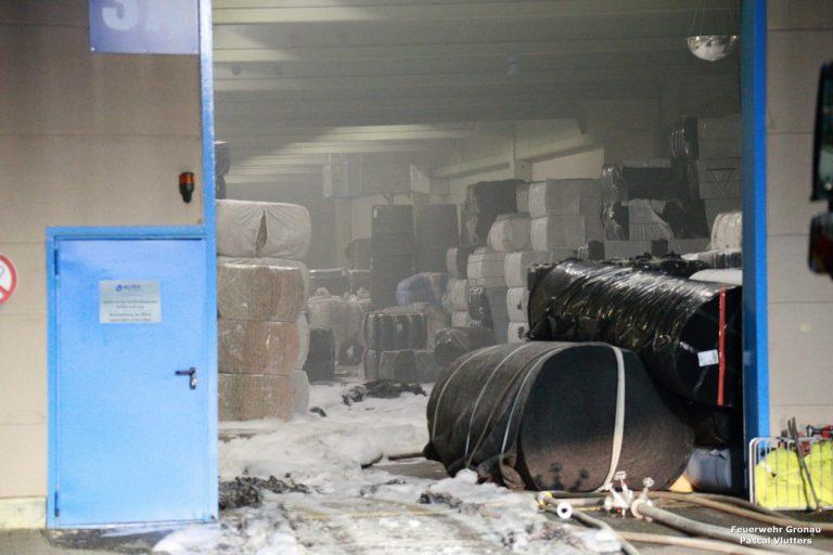 Polyester – Polypropylen – Ballen brannten im Textilunternehmen