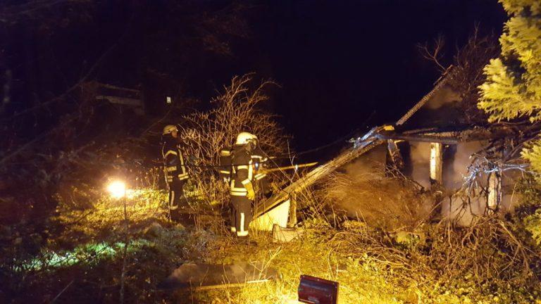 Gartenhütte brannte an der Ahauser Straße