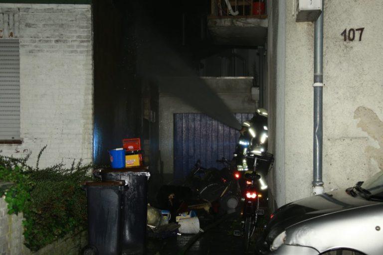 Brannte Sofa und Unrat auf der August-Hahn-Straße
