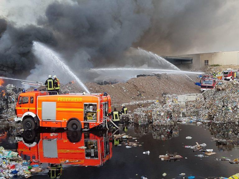 Großeinsatz bei Entsorgungsbetrieb in Borken