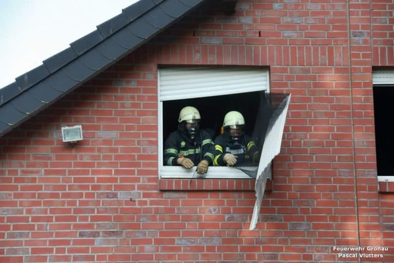 Rauchmelder machte auf Feuer im Wohnzimmer aufmerksam
