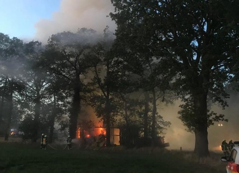 Brandstifter noch während der Löscharbeiten gefasst