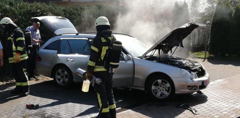 PKW brannte auf der Grabenstraße