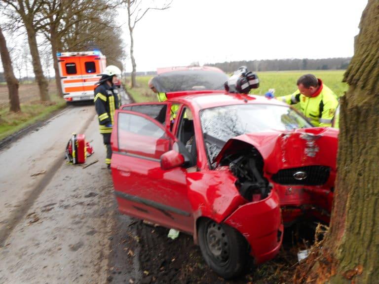 Tödlicher Verkehrsunfall im Lasterfeld