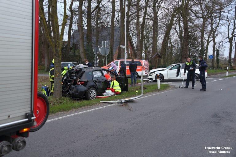 Zwei Einsätze der Feuerwehr durch Verkehrsunfälle