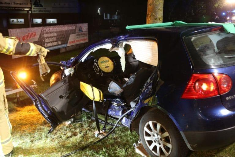 Verkehrsunfall auf der Steinfurter Straße – 1 Person eingeklemmt –